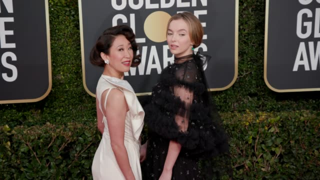 sandra oh jodie comer at 76th annual golden globe awards arrivals in los angeles ca 1/6/19 4k footage - golden globe awards stock videos & royalty-free footage