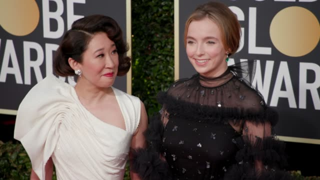 vidéos et rushes de sandra oh jodie comer at 76th annual golden globe awards arrivals in los angeles ca 1/6/19 4k footage - sandra oh