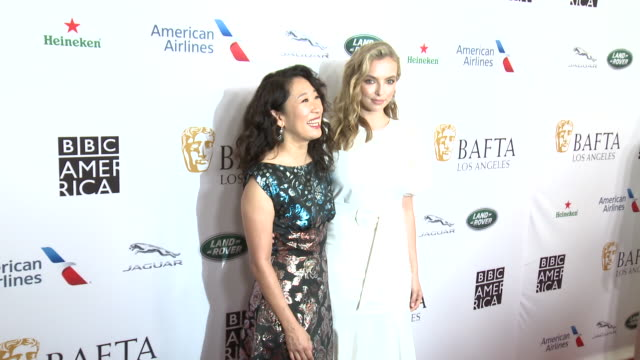 vidéos et rushes de sandra oh jodie comer at the beverly hilton hotel on september 21 2019 in beverly hills california - sandra oh