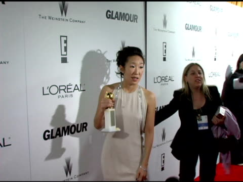 vidéos et rushes de sandra oh on nothing going through her head when she won at the weinstein company and glamour magazine 2006 golden globes party at trader vic's in... - sandra oh