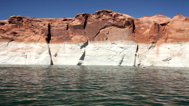 sandstone formations at lake powell - lago powell video stock e b–roll