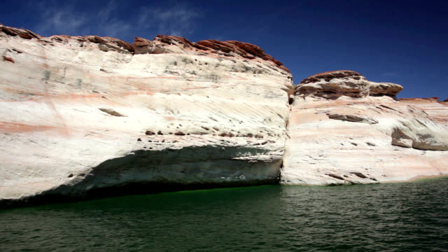 sandstone formations at lake powell - puebloan culture stock videos & royalty-free footage