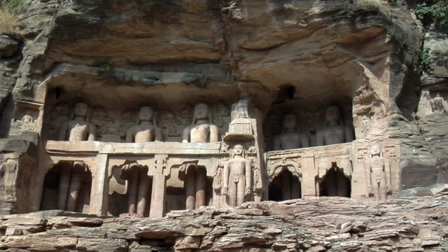 ms, sandstone statues in gwalior fort, gwalior, madhya pradesh, india - sandstone stock videos & royalty-free footage