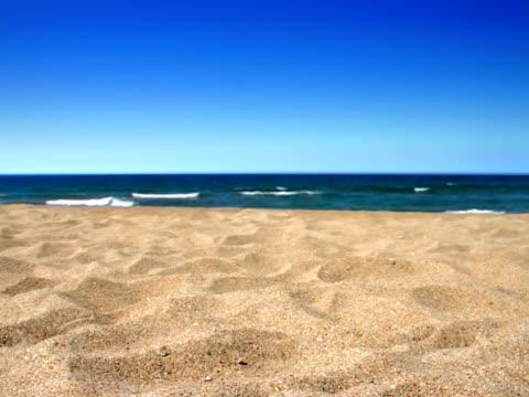 sandy beach  - aufnahme von unten stock-videos und b-roll-filmmaterial