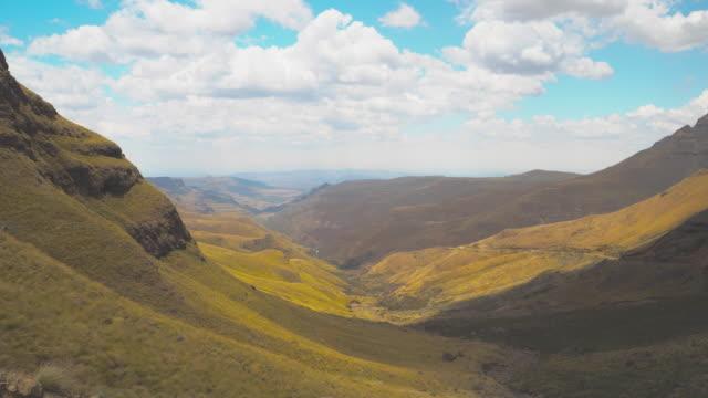 sani pass road. - drakensberg mountain range stock videos & royalty-free footage