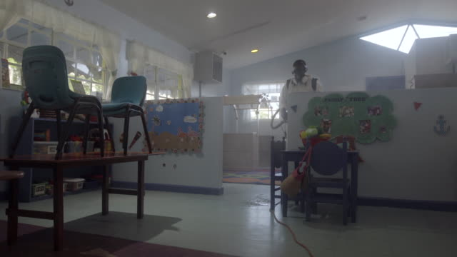 vídeos y material grabado en eventos de stock de solución de fingiación de procesos de saneamiento en miami preescolar - parvulario edificio escolar