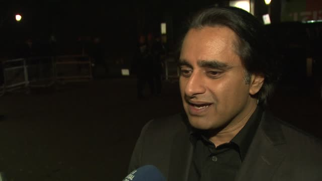 sanjeev bhaskar at prince's trust comedy gala at royal albert hall on november 28, 2012 in london, england - サンジーヴ・バスカー点の映像素材/bロール