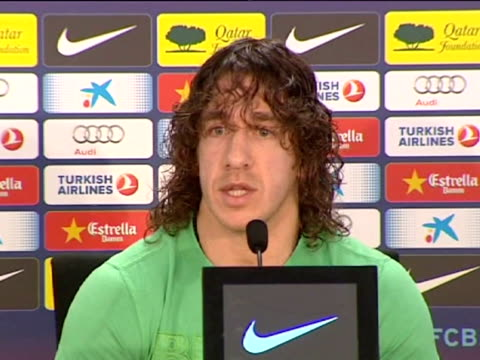 sant joan despi , 15 mar .- barcelona captain carles puyol told journalists at thursday's press conference that teammate eric abidal, who has to... - ripetizione video stock e b–roll