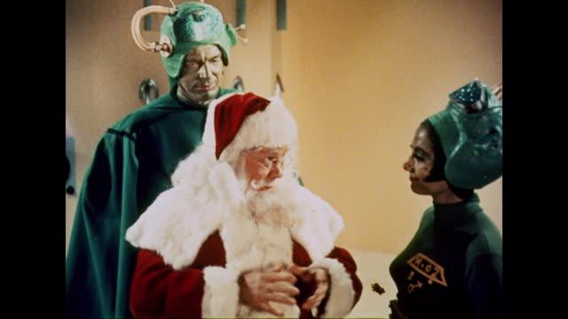 1964 Santa Claus learns that he now belongs to Mars