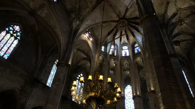 vidéos et rushes de santa maria del mar (saint mary of the sea) is a church in the ribera district of barcelona, spain, built between 1329 and 1383 at the height of principality of catalonia's maritime and mercantile.  it is an outstanding example of catalan gothic - mar