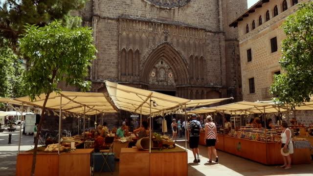 大聖堂サンタマリアデル pi バリオ gotico 、バルセロナで - ゴシック地区点の映像素材/bロール