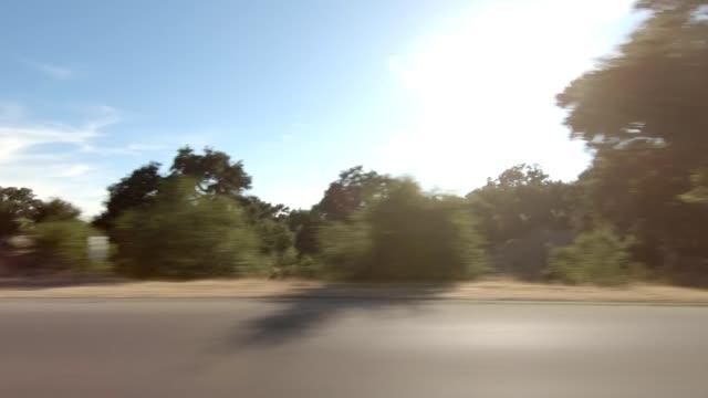 vídeos de stock, filmes e b-roll de santa maria iii série sincronizada vista esquerda conduzindo a placa do processo - ponto de vista de carro
