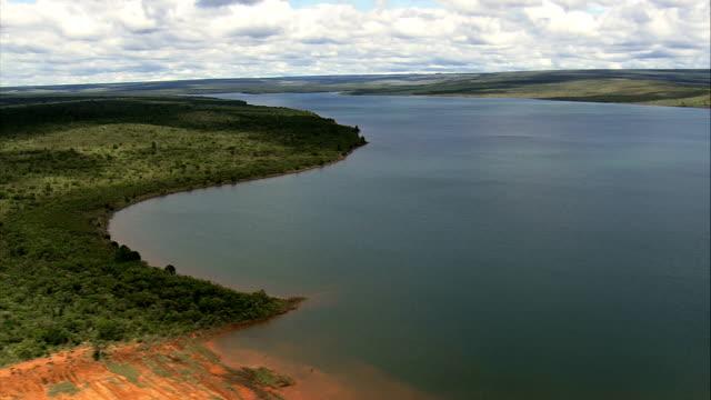 vídeos de stock, filmes e b-roll de santa maria reservoir-vista aérea-distrito federal, brasil - reservatório