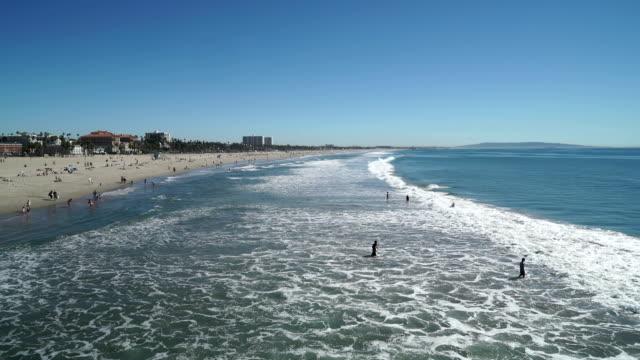 santa monica beach wide shot - palos verdes stock videos & royalty-free footage