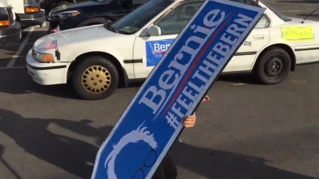 santa monica ca broll of a car covered in bernie sanders campaign posters and flags professional sign spinner shows off spinning skills for bernie... - santa monica sign stock videos & royalty-free footage
