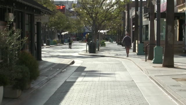 ktla santa monica ca us empty third street promenade in downtown during covid19 outbreak on friday march 20 2020 - santa monica street stock videos & royalty-free footage