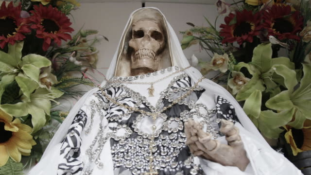 santa muerte statue in mexico - cult stock videos & royalty-free footage