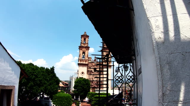 santa prisca church in taxco, guerrero, mexico - mexican ethnicity stock videos & royalty-free footage