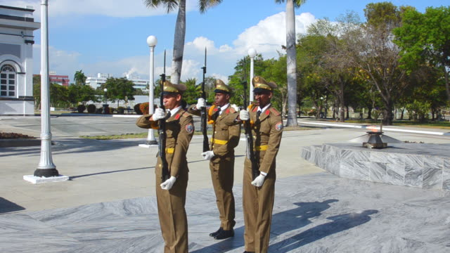 ms santiago cuba soldiers changing guard at santa ifigenia cemetery and mausoleum of jose marti marching / santiago,  cuba - responsibility stock videos & royalty-free footage
