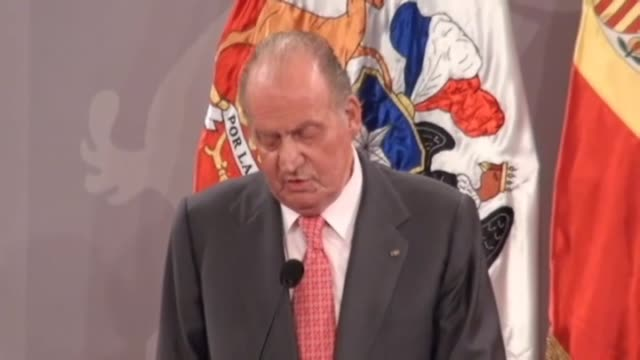 Santiago Jun 6 Spain's King Juan Carlos has called on Spanish business leaders to take advantage of renewable energy and tourism opportunities in...