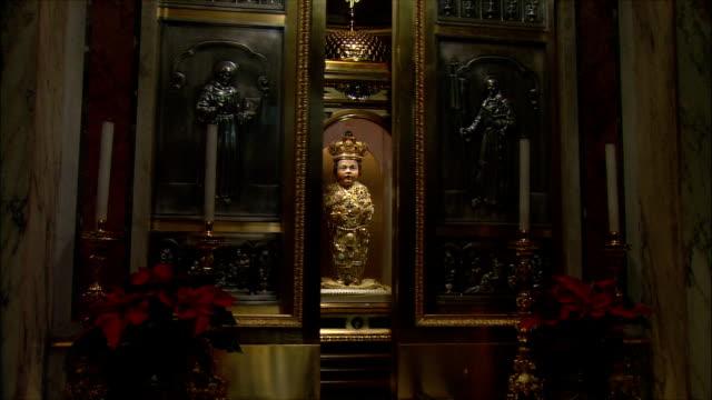 WS ZI Santo Bambino (infant Jesus) statue in church of Santa Maria / Rome, Italy
