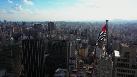 vídeos y material grabado en eventos de stock de vista aérea del centro de sao paulo - torre estructura de edificio
