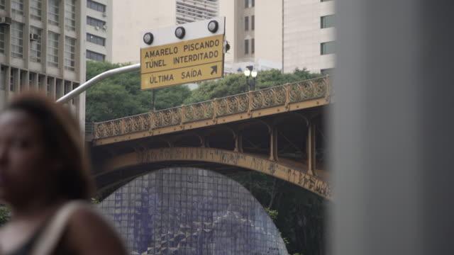 vídeos de stock, filmes e b-roll de sao paulo downtown - distrito financeiro