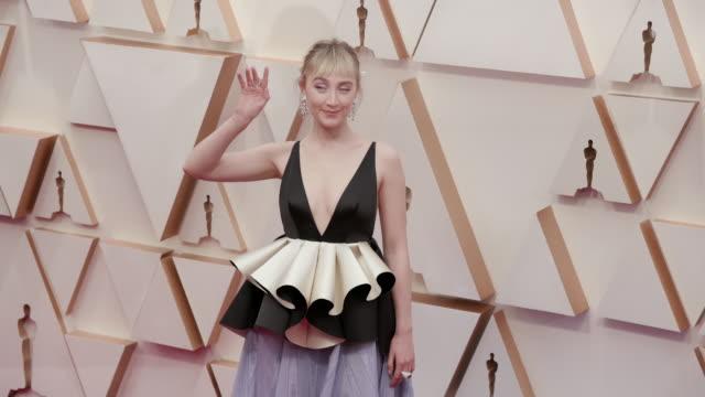 vídeos de stock, filmes e b-roll de saoirse ronan at the 92nd annual academy awards arrivals on february 09 2020 in hollywood california - cerimônia de entrega do óscar