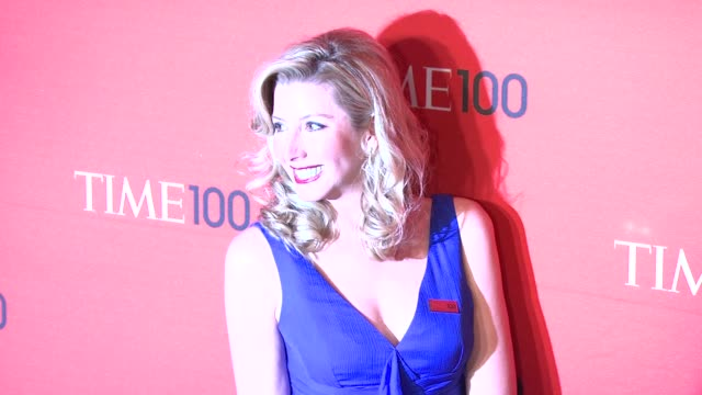 vídeos de stock, filmes e b-roll de sara blakely at time 100 gala at frederick p rose hall jazz at lincoln center on april 24 2012 in new york new york - sara blakely