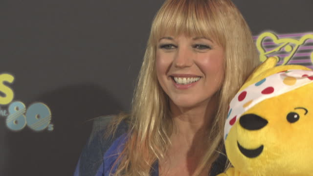 vidéos et rushes de sara cox at bbc children in need rocks the 80s at sse arena on october 19, 2017 in london, england. - bbc children in need