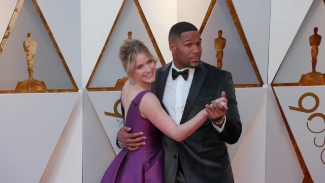 sara haines and michael strahan at the 90th academy awards - arrivals at dolby theatre on march 04, 2018 in hollywood, california. - the dolby theatre stock videos & royalty-free footage
