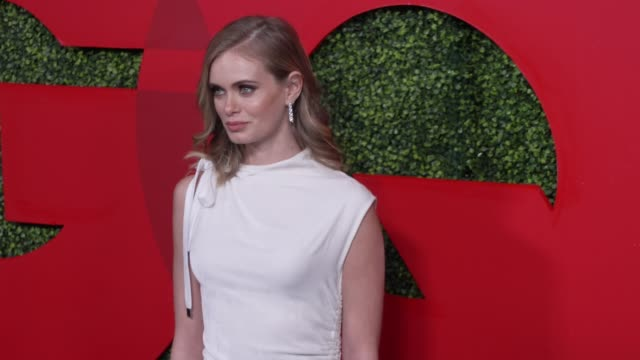 sara paxton at the gq 2018 men of the year celebration at benedict estate on december 06, 2018 in beverly hills, california. - サラ パクストン点の映像素材/bロール