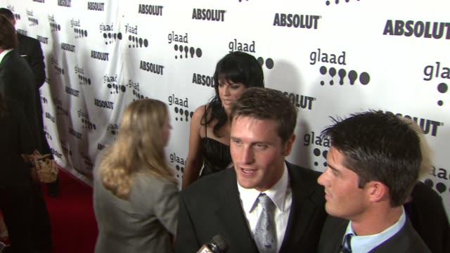 sara ramirez reichen lemkuhl and guest at the 18th annual glaad media awards at the kodak theatre in hollywood california on april 14 2007 - reichen lehmkuhl stock videos & royalty-free footage