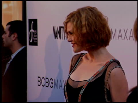 stockvideo's en b-roll-footage met sara rue at the bcbg max azria store opening on august 18 2005 - bcbg max azria