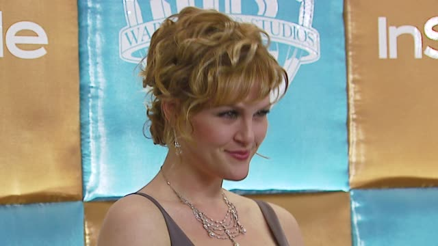 sara rue at the in style magazine and warner brothers annual golden globes party at the beverly hilton in beverly hills california on january 15 2007 - sara rue bildbanksvideor och videomaterial från bakom kulisserna