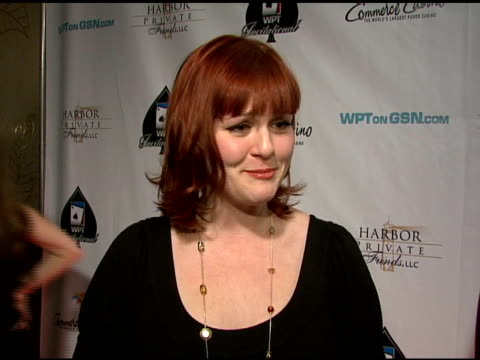 sara rue on when she started playing poker what she likes about the world poker tour and her good luck charm at the 6th annual world poker tour at... - sara rue bildbanksvideor och videomaterial från bakom kulisserna