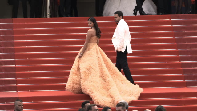 slomo sara sampaio oliver ripley at 'once upon a time in hollywood ' red carpet arrivals the 72nd cannes film festival at grand theatre lumiere on... - grand theatre lumiere stock videos & royalty-free footage