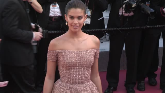 sara sampaio on the red carpet for the premiere of les filles du soleil at the cannes film festival 2018 saturday 12 may 2018 cannes france - 71st international cannes film festival stock videos & royalty-free footage