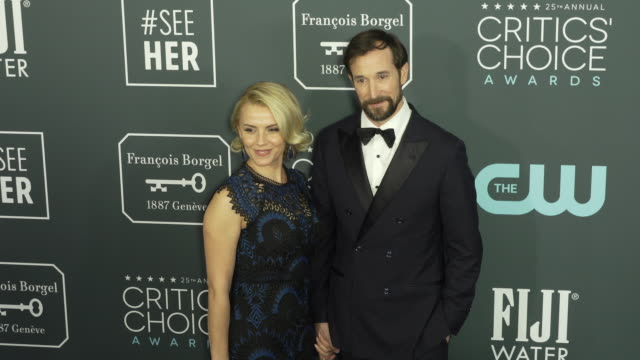 sara wells and noah wyle at the 25th annual critics' choice awards at barker hangar on january 12, 2020 in santa monica, california. - noah wyle stock videos & royalty-free footage