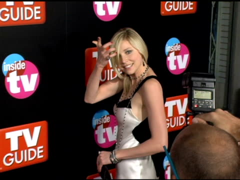 sarah chalke at the 2005 tv guide and inside tv emmy awards after party at the hollywood roosevelt hotel in hollywood california on september 19 2005 - sarah chalke stock videos & royalty-free footage