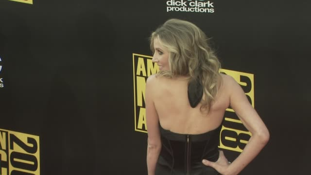 sarah chalke at the 2008 american music awards at los angeles ca - sarah chalke stock videos & royalty-free footage