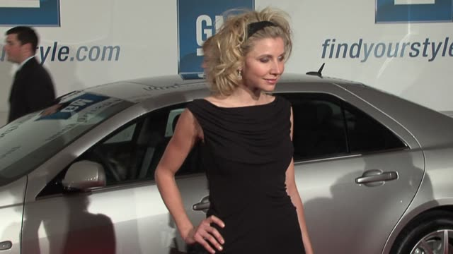 sarah chalke at the gm ten event in los angeles california on february 28 2006 - sarah chalke stock videos & royalty-free footage