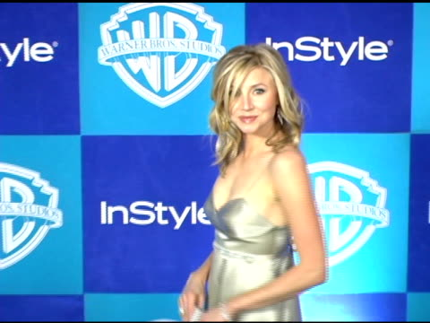 sarah chalke at the instyle/warner brothers golden globes party at the beverly hilton in beverly hills california on january 16 2006 - sarah chalke stock videos & royalty-free footage