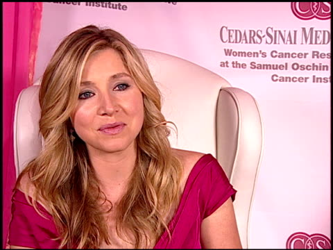 sarah chalke on how cancer can happen to anyone at the elyse walker's pink party benefitting cedarssinai women's cancer research institute at hotel... - sarah chalke stock videos & royalty-free footage