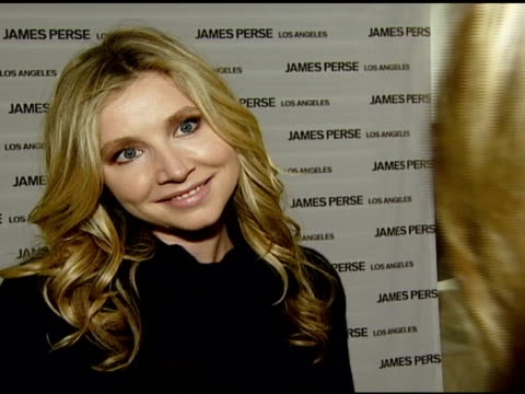 sarah chalke on the event james perse fashions and shopping habits at the james perse opens flagship boutique at james perse boutique in beverly... - sarah chalke stock videos & royalty-free footage