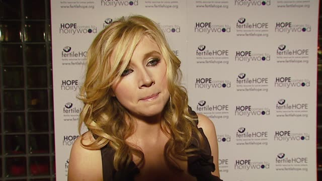 sarah chalke on why it was important for her to be at the gala to support fertile hope on why it's important for celebrities to use their celebrity... - sarah chalke stock videos & royalty-free footage