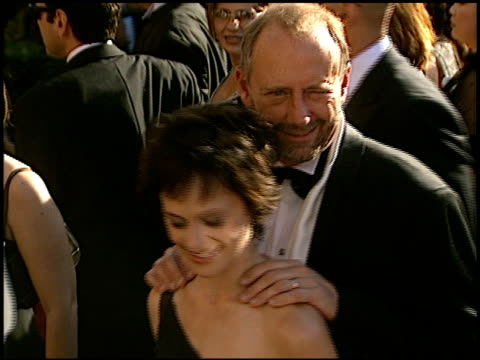 sarah clarke at the 2002 emmy awards at the shrine auditorium in los angeles, california on september 22, 2002. - 女優 サラ クラーク点の映像素材/bロール