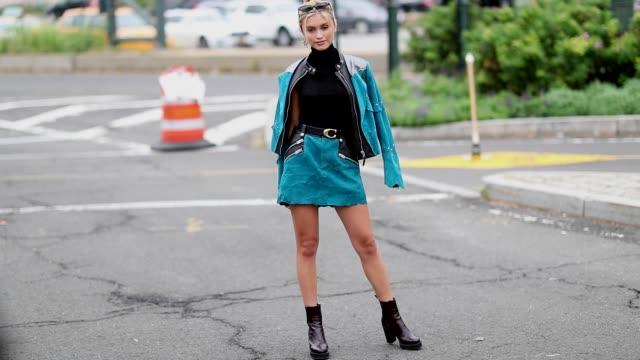 stockvideo's en b-roll-footage met sarah ellen wearing blue jacket and mini skirt is seen outside coach during new york fashion week spring/summer 2019 on september 11 2018 in new york... - new york modeweek