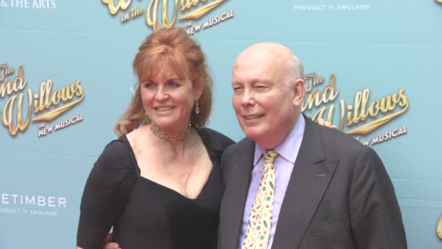 stockvideo's en b-roll-footage met sarah ferguson duchess of york and julian fellowes at the wind in the willows press night / vip gala at london palladium on june 29 2017 in london... - london palladium