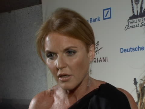 vídeos de stock e filmes b-roll de sarah ferguson duchess of york on why any event supporting a good cause like amfar will get her support and on why aids research is so important at... - atlântico central eua